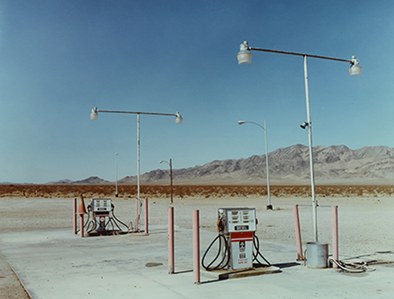 AMERICAN GAS STATIONS<span>Photowork,1992</span>